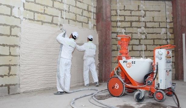 Цементно-песчаная стяжка пола. Машинная штукатурка стен и цена на него