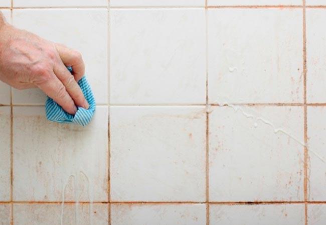 Затирки, герметики, очистители и плиточный клей для ремонтных работ